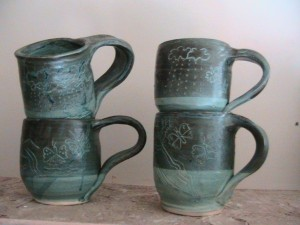 Stoneware medium mug everglade and slip decoration oxidation fired